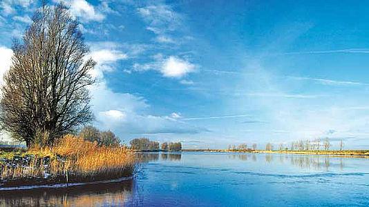 Winter an der Eider: intakte Natur ist auch ein Indiz für die gute Arbeit der Wasserver- und Abwasserentsorger.